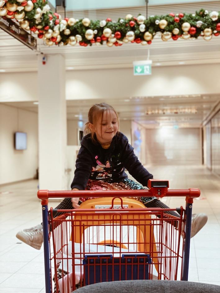 Lyngby storcenter momster